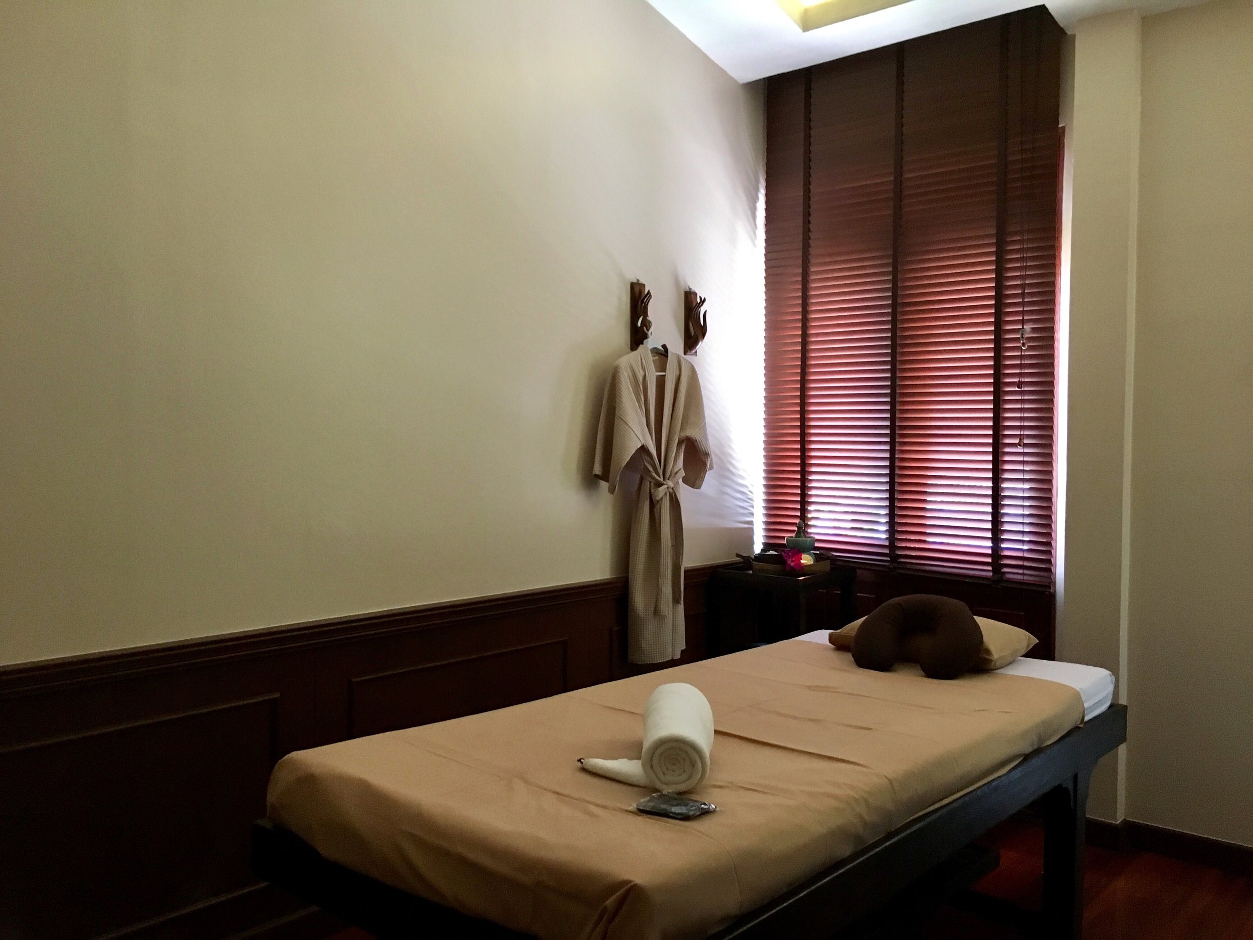 The rooms at Makkha are soothingly neutral — letting the massage experience come to the forefront of your senses