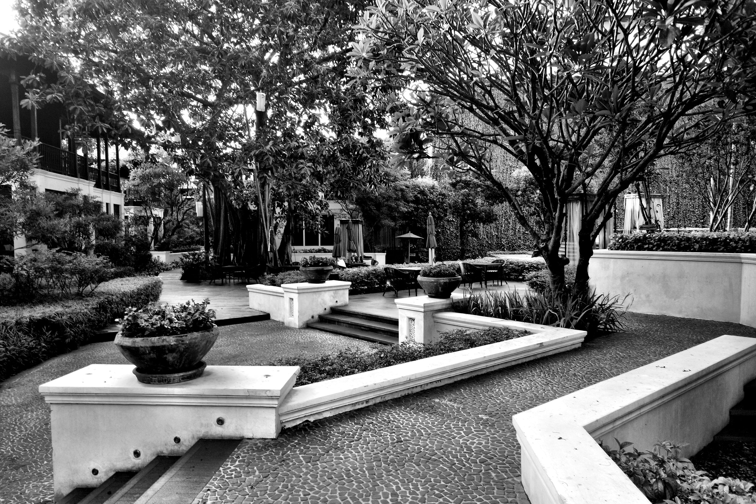 The grounds of the hotel are gorgeous and quiet
