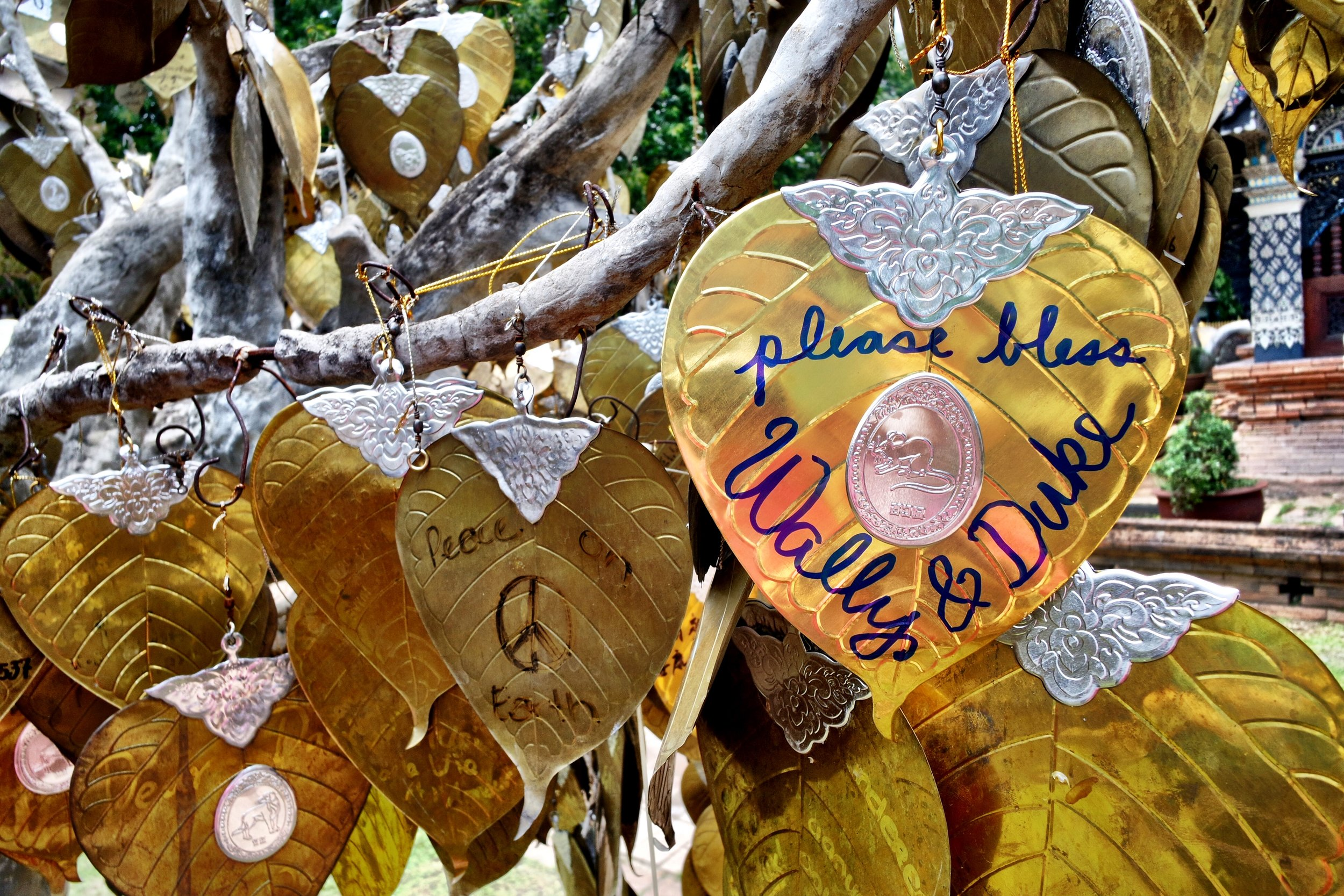 Buy a leaf from the stall out front and write a wish on it. Then hang it on the trees that stand on either side of the main temple