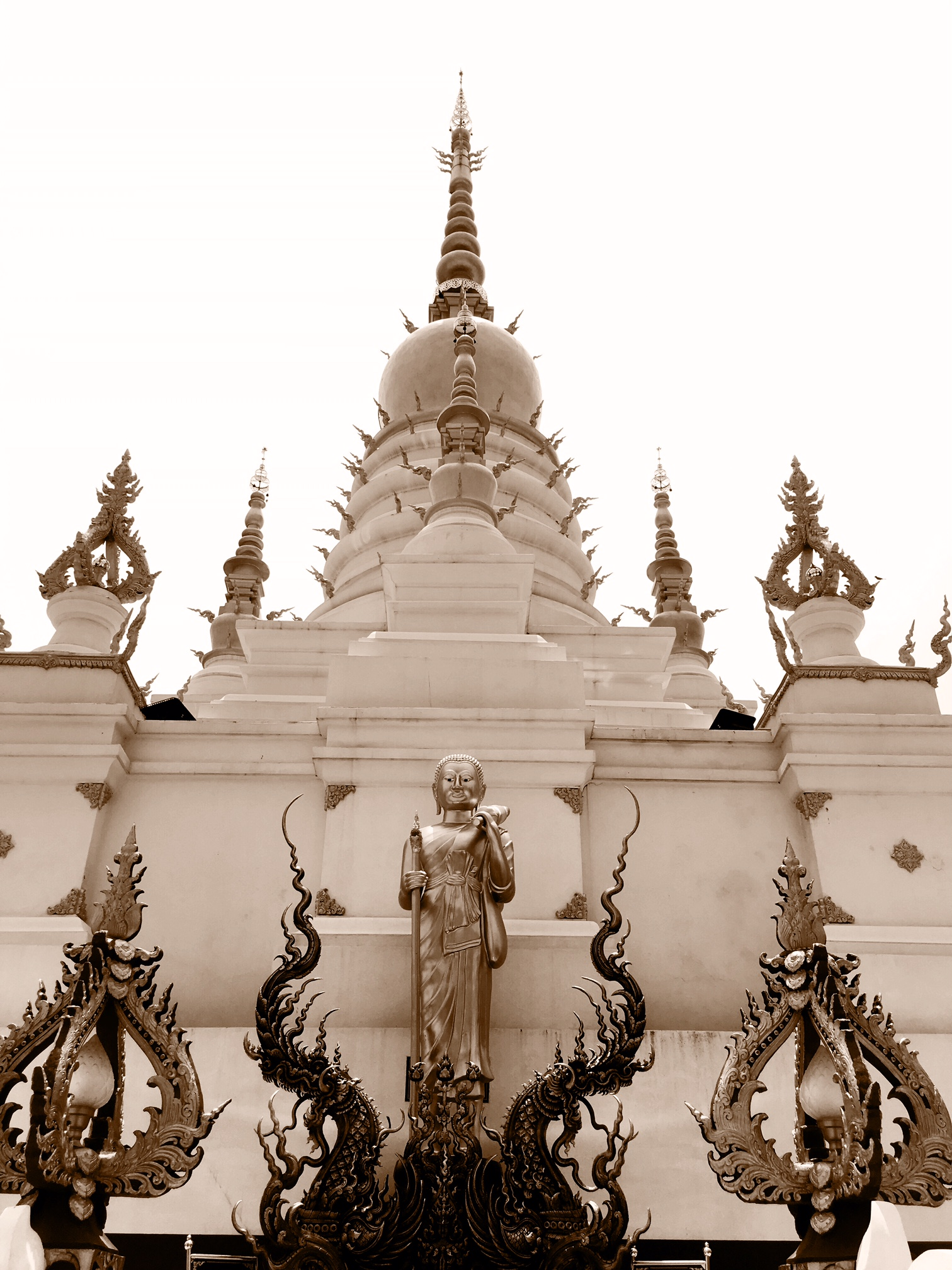 The stupa at Wat Rong Suea Ten