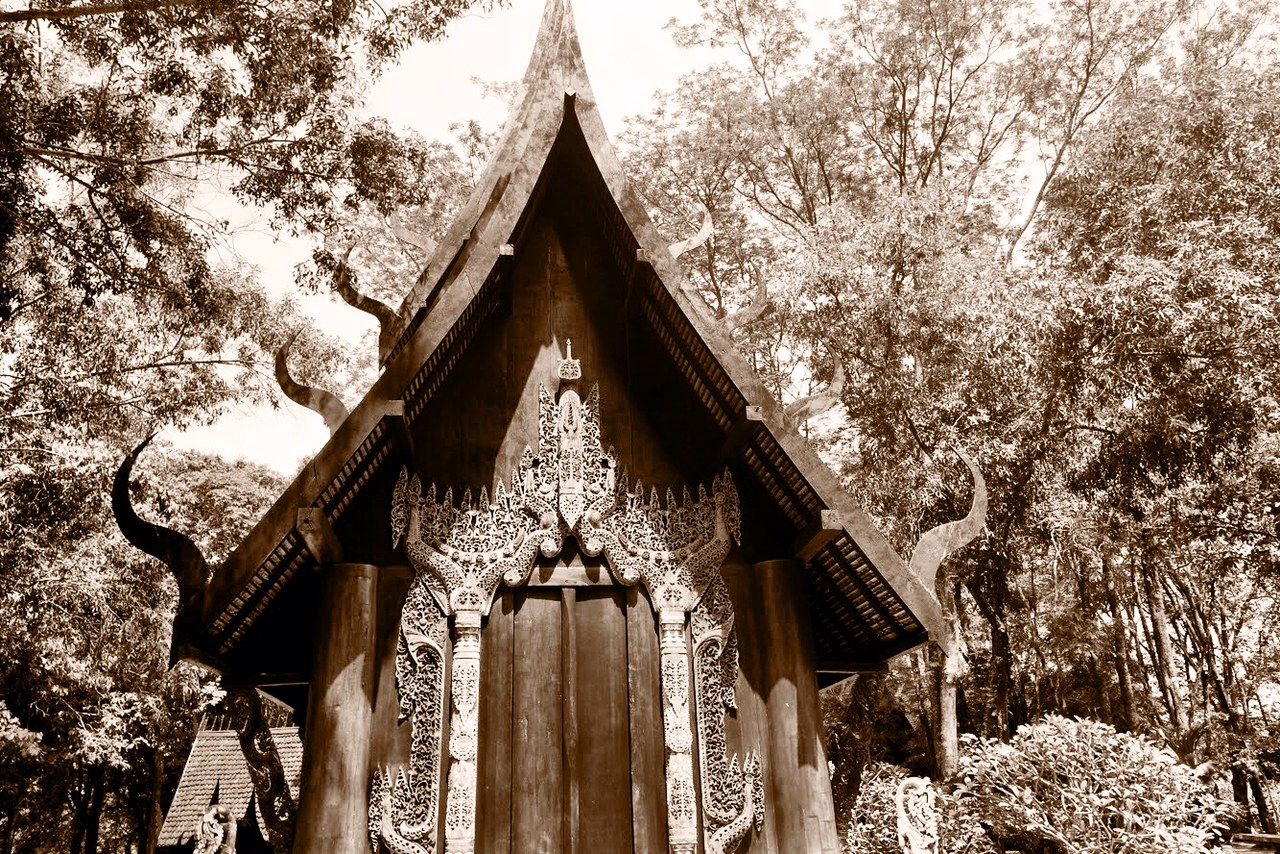 The museum, including the Sanctuary of Rama,is the vision of one of Thailand's most famous artists, Thawan Duchanee