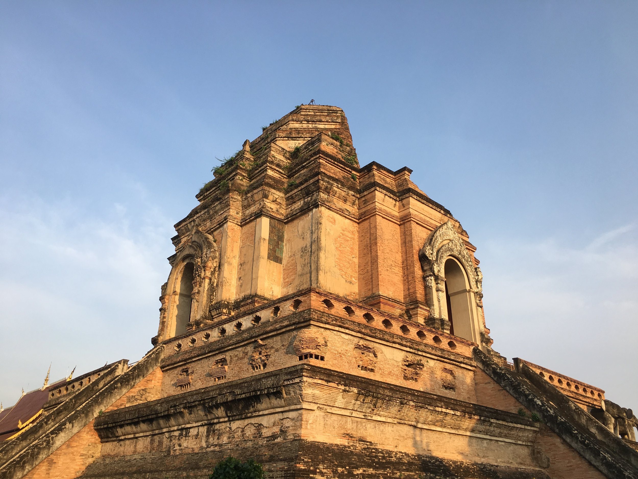 Wat Chedi Luang as it stands today. The building was completed during the reign of King Tilokoraj
