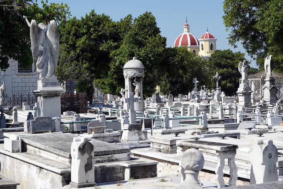 Spend some time exploring the Colón Cemetery, where Christopher Columbus' remains were once enterred