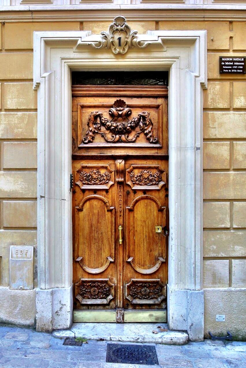doorsofprovence2.jpg