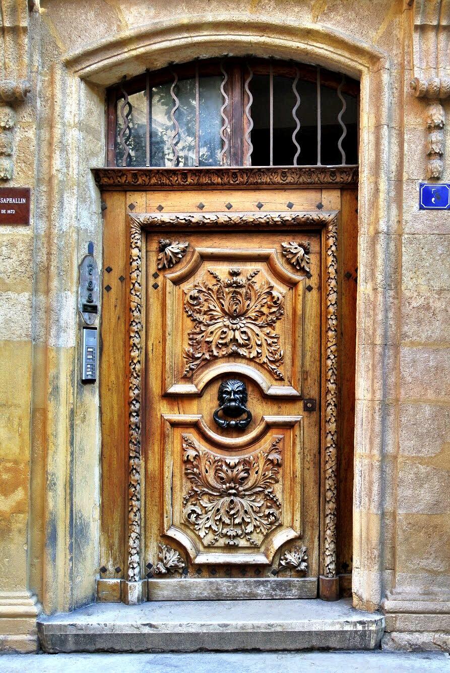 doorsofprovence7.jpg