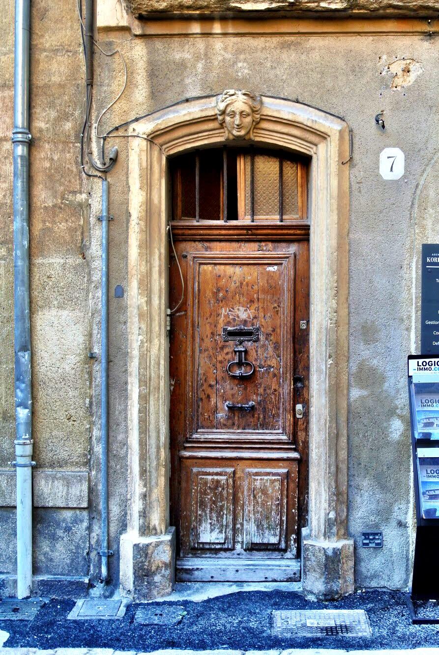 doorsofprovence11.jpg