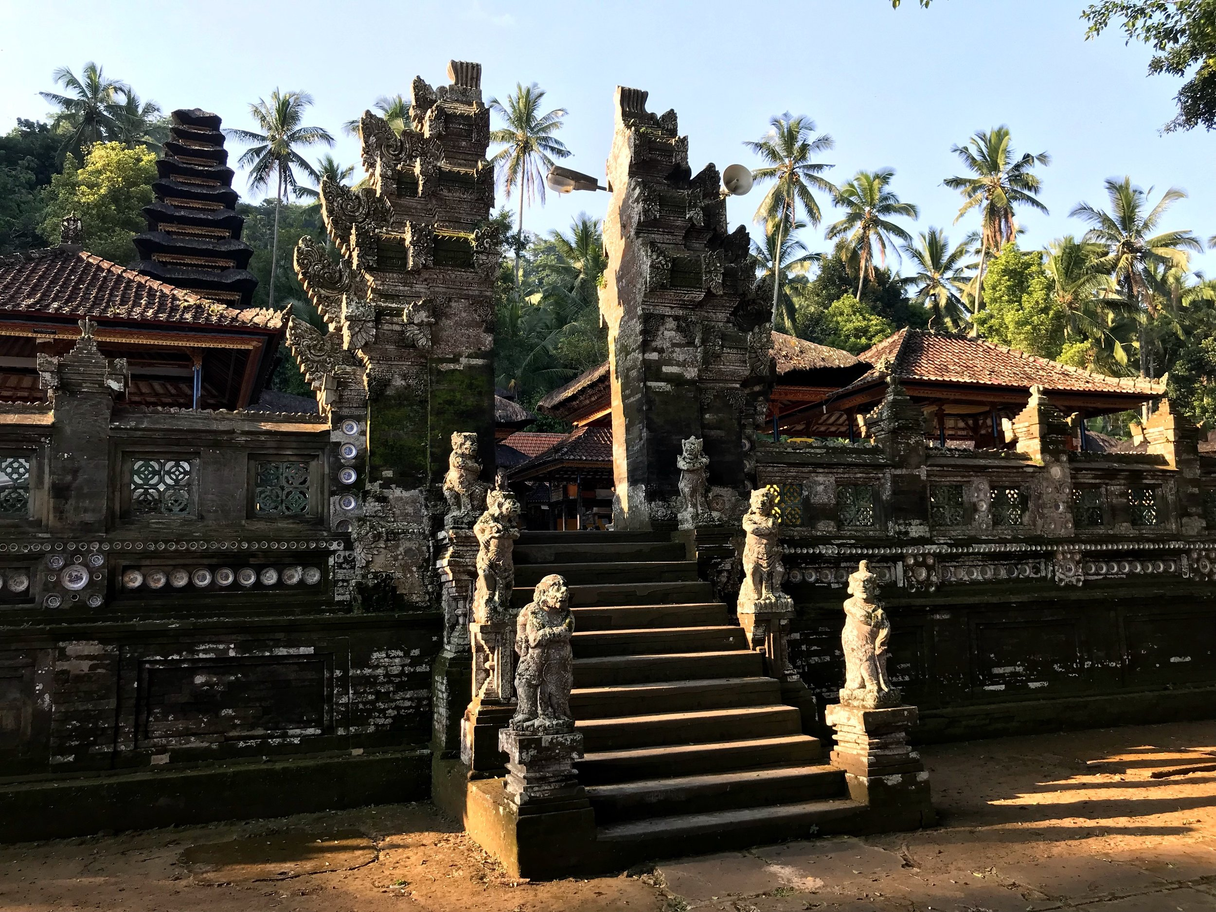 Smaller candi bentar gates divide courtyards on the temple complex