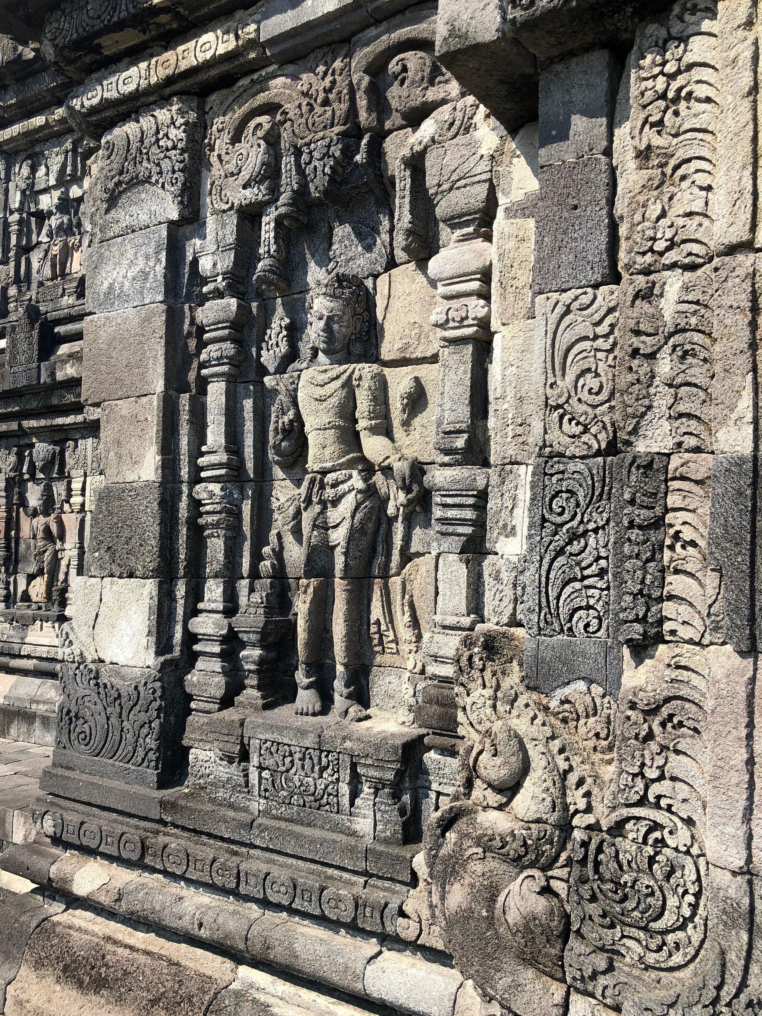Bas-reliefs line the exterior of Plaosan