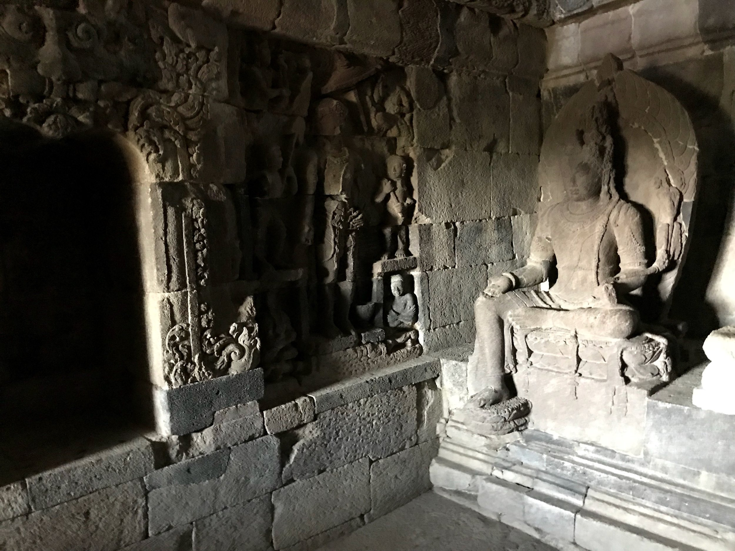 There's not a whole lot to see inside the temples — mostly seated statues of Bodhisattva, those who have reached enlightenment but remain behind to instruct others