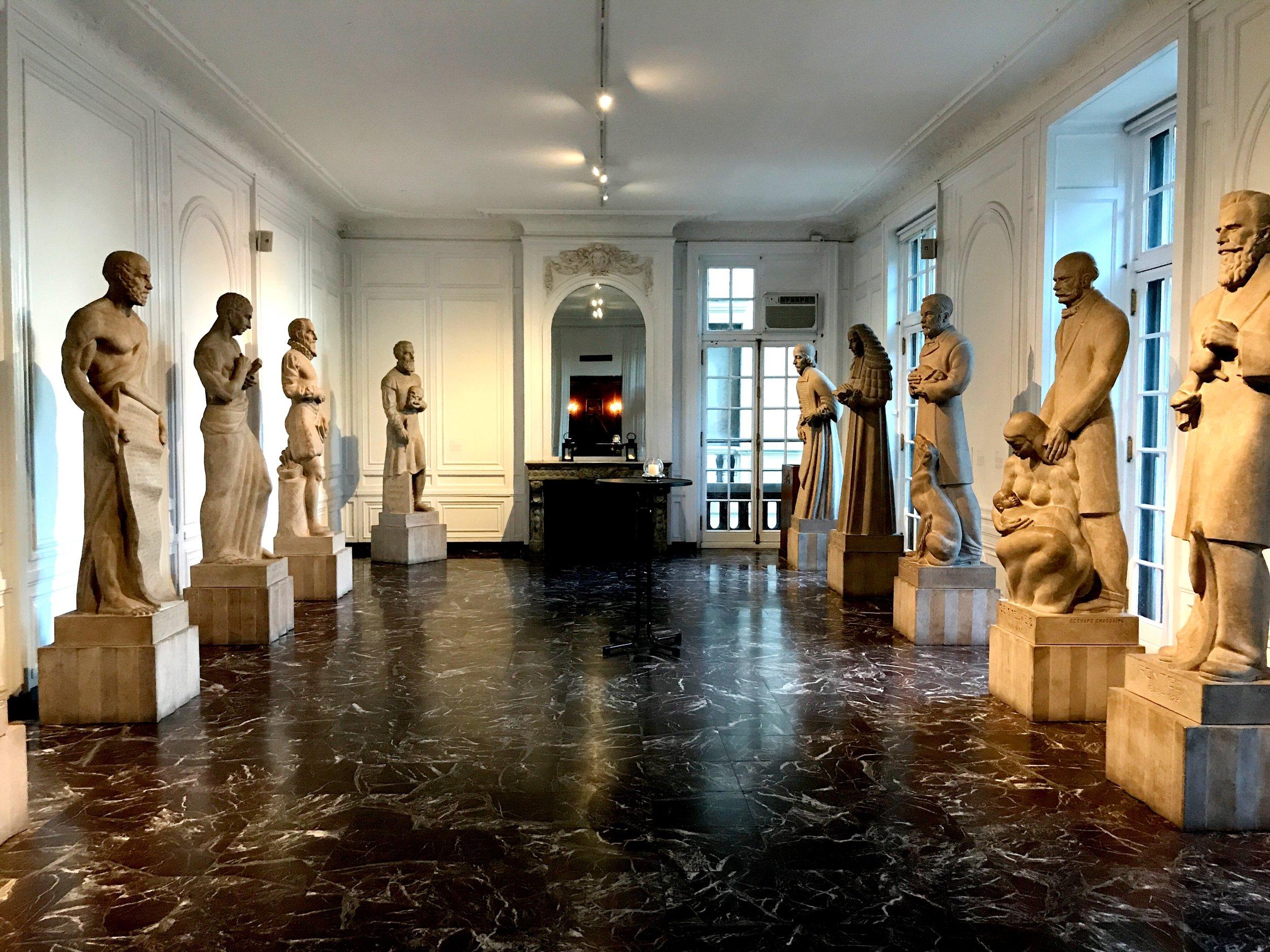 surgicalmuseumhall.JPG