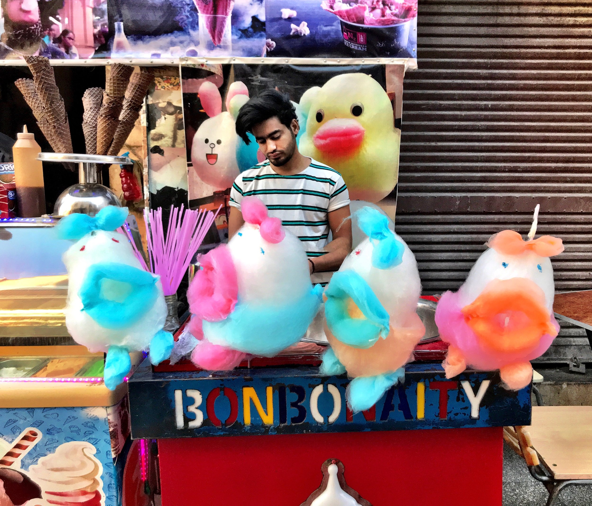 Cotton candy becomes an artistic medium at Khan el-Khalili in Cairo