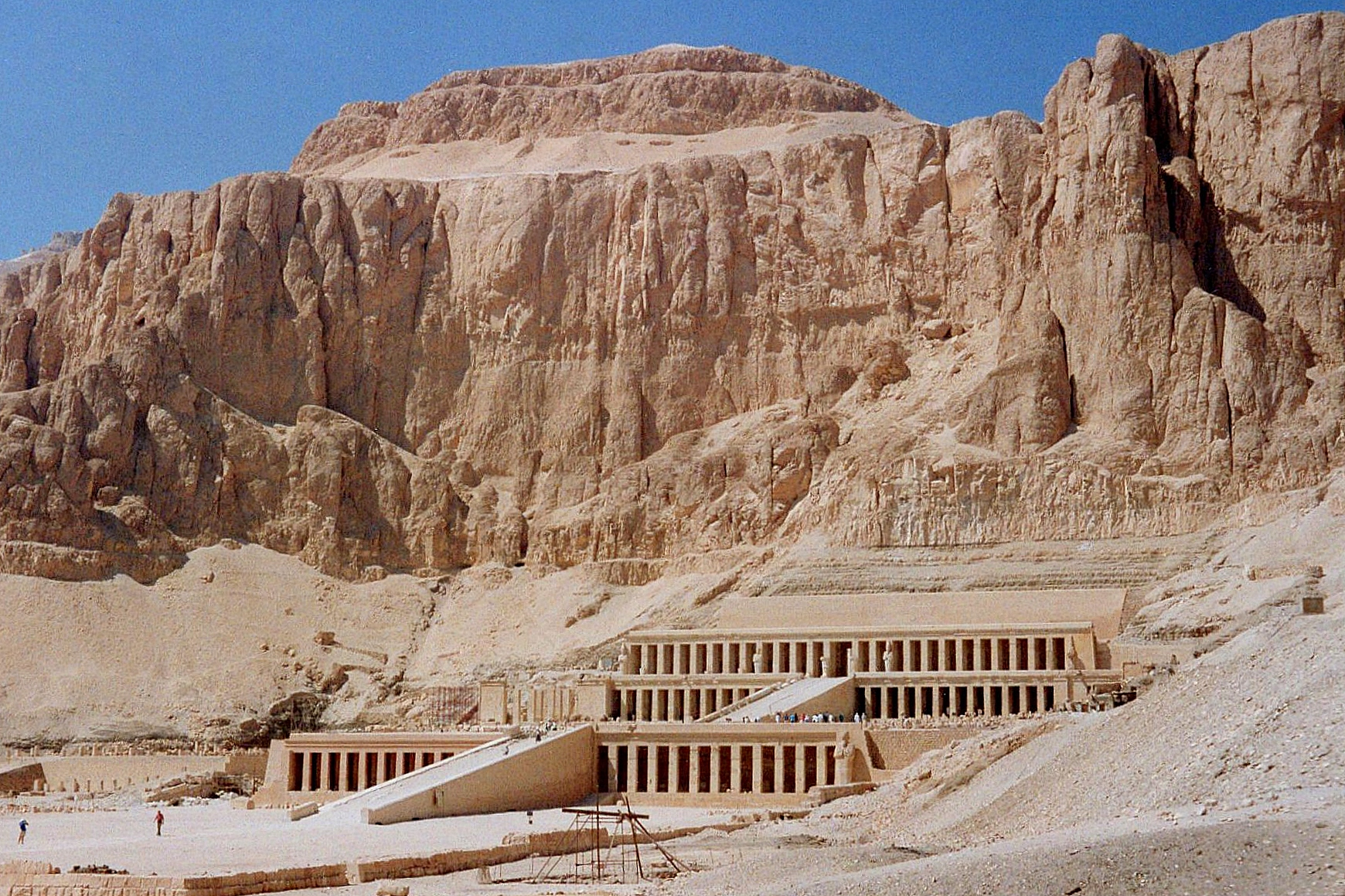 The top colonnade on Hatshepsut's funerary temple — which did not exist in 1970 — is complete in this 1989 photo