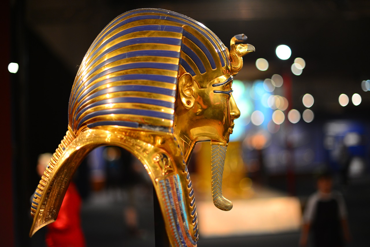 Can you imagine how freaked out the museum staff must have been when they broke off King Tut's funerary mask beard?!