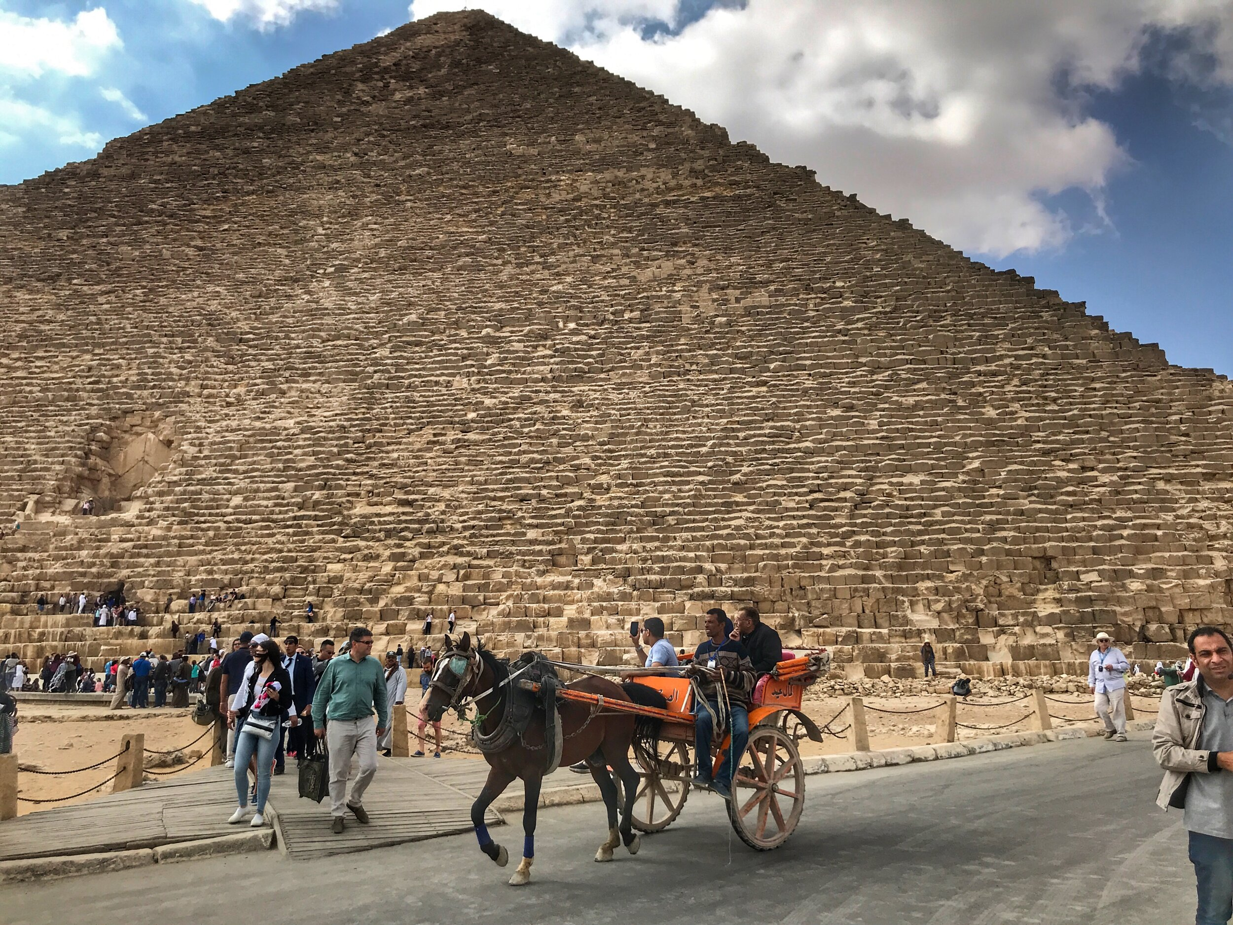 Horse-drawn carriages are another way to get around Giza