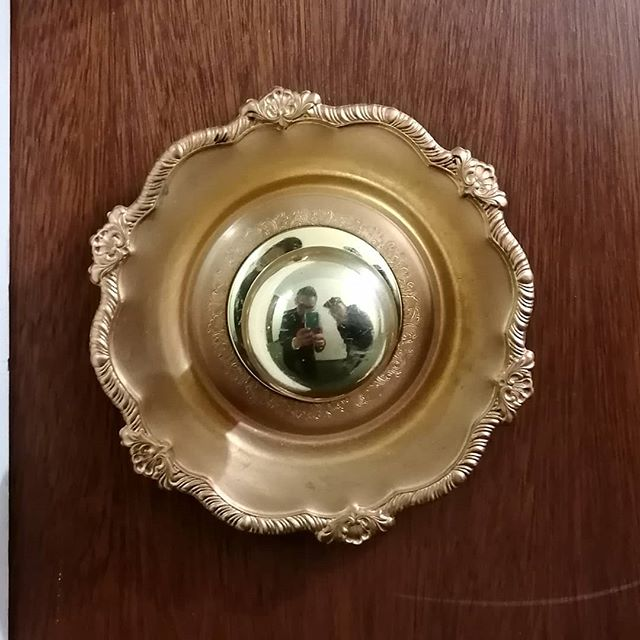 Just a very beautiful doorknob plate... . . . . . #architecture #details #decorations #building #apartment #brass #gold #yqr