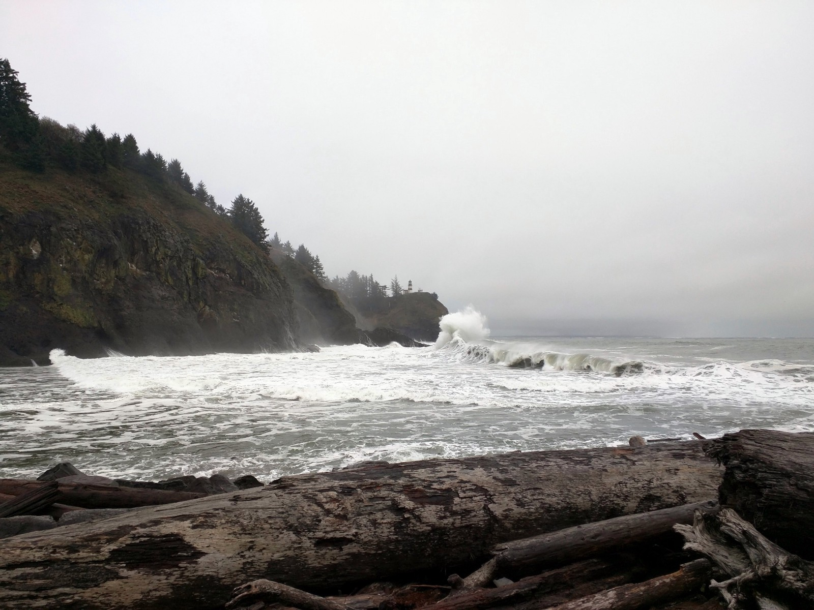 Crashing waves from Waikiki Beach down to Cape Disappointment Lighthouse