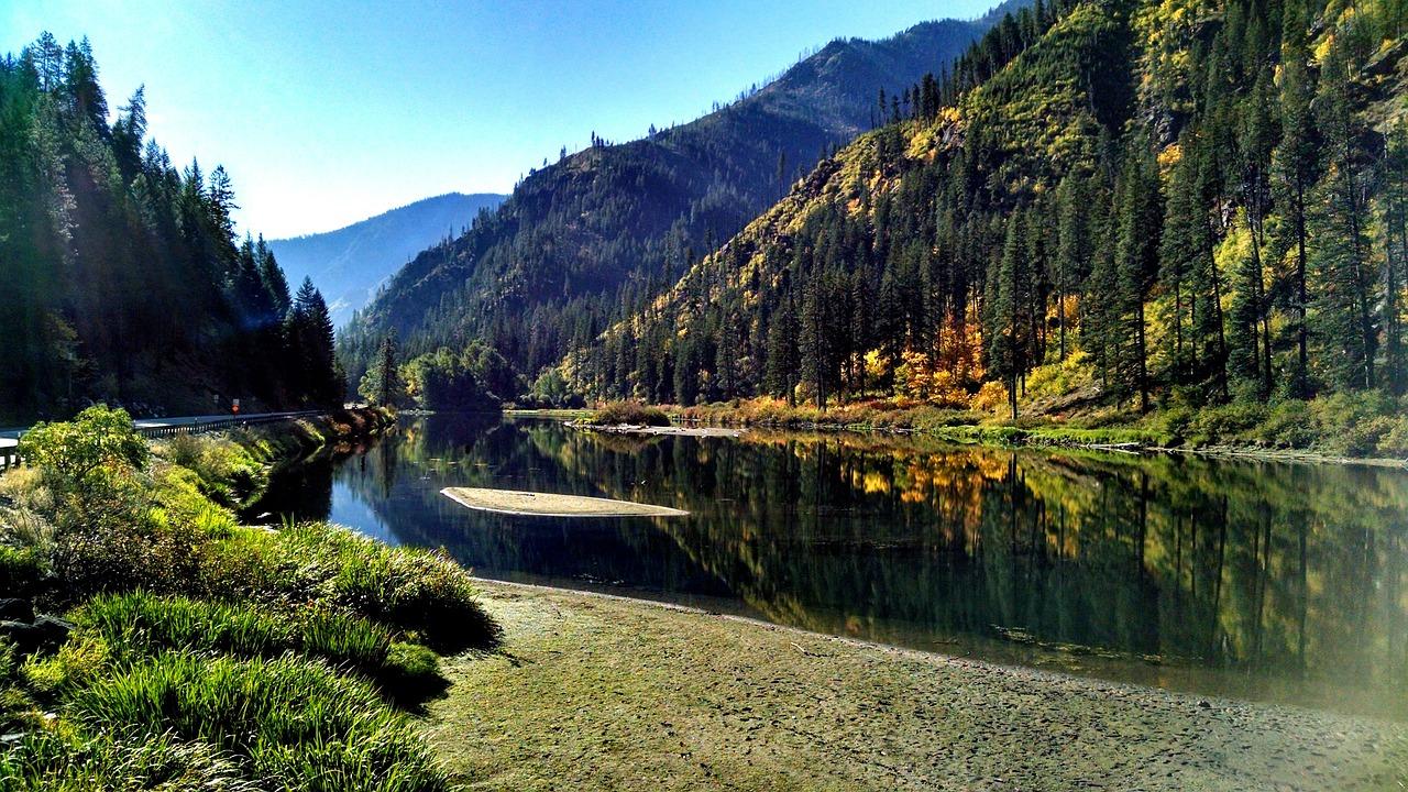 Icicle River near Leavenworth. Photo credit:    Pixabay
