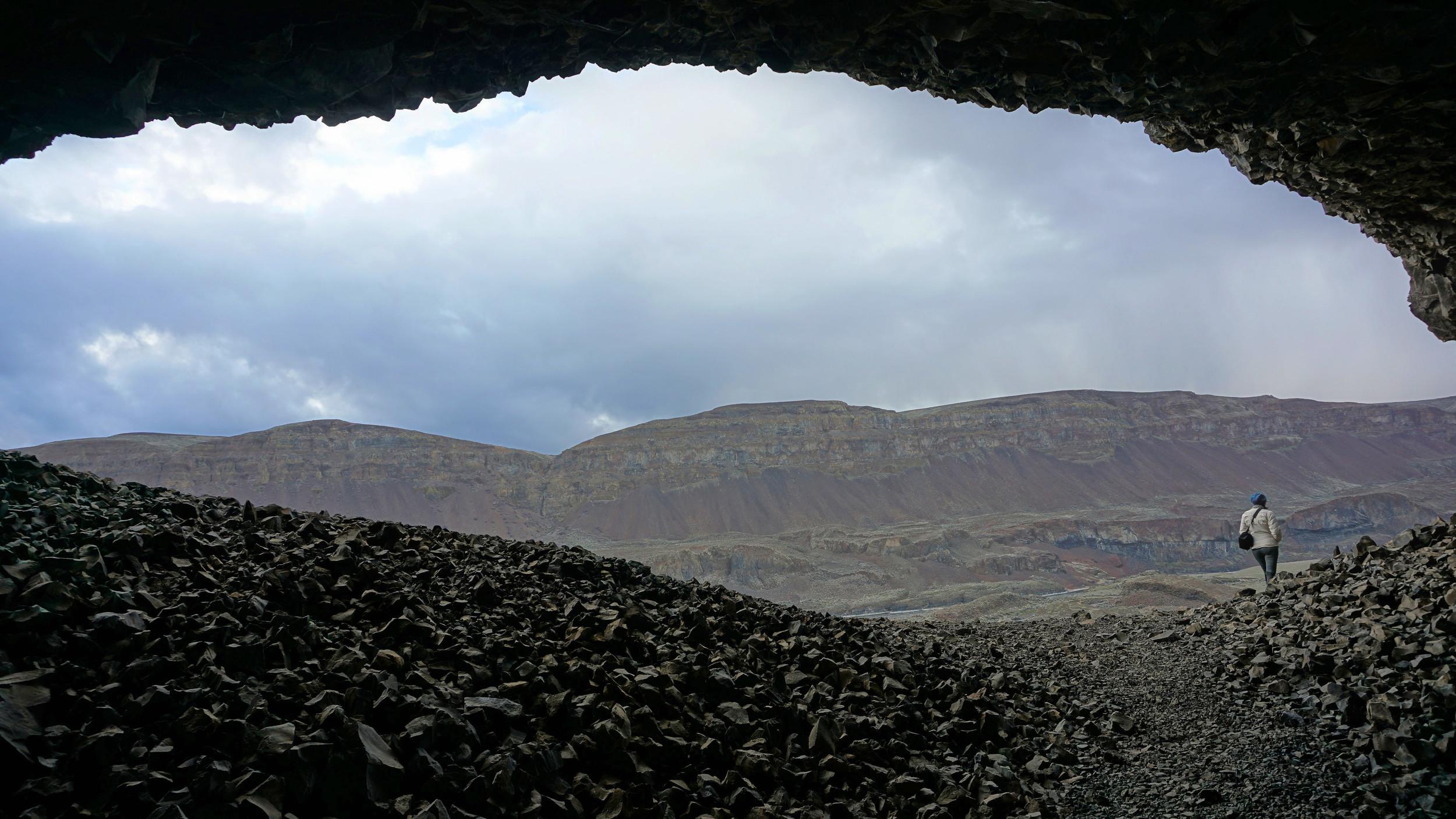 Lake Lenore Caves - Pacific North Wanderers.jpeg