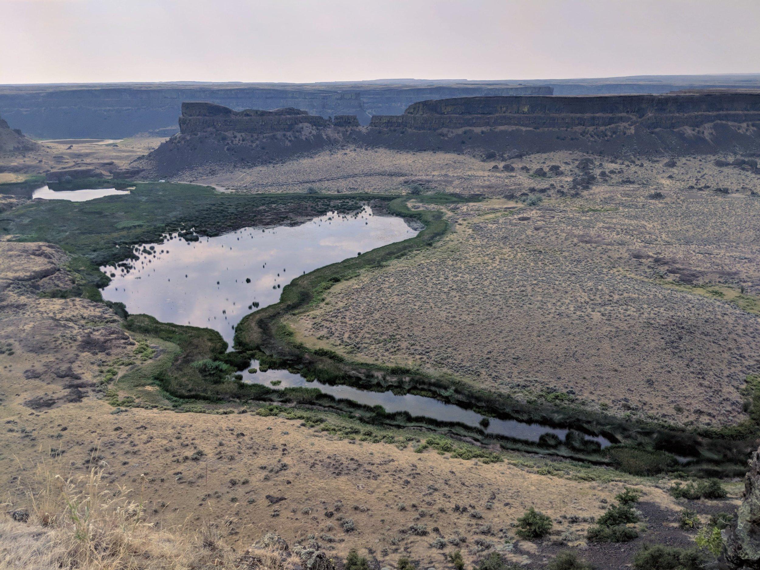 Umatilla Rock and Dry Falls Lake