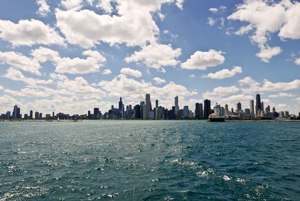 JOYSHA_SHOOTS_CHICAGO_WINDY_SAILBOAT_ARCHITECTURE_TOUR_01.jpg