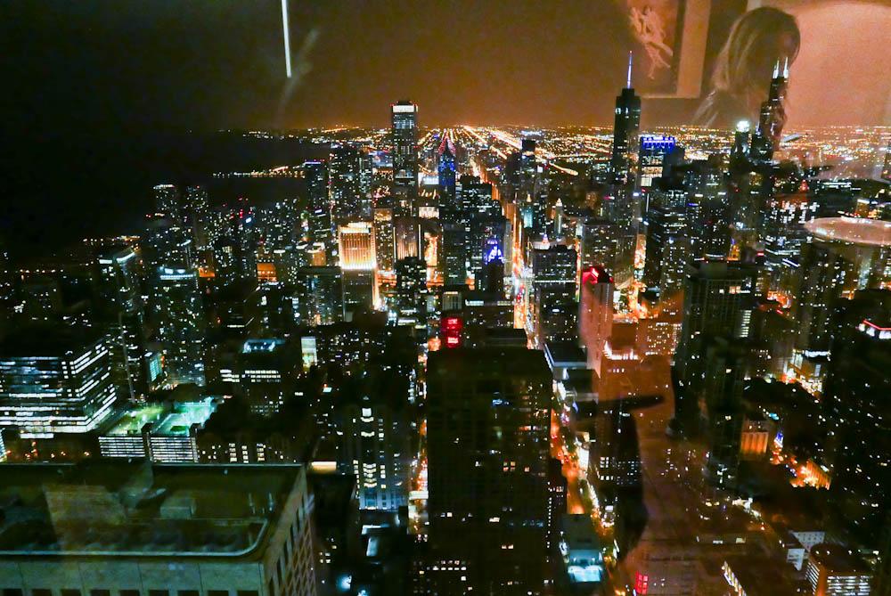 JOYSHA_SHOOTS_CHICAGO_JOHN_HANCOCK_BATHROOM_01.jpg