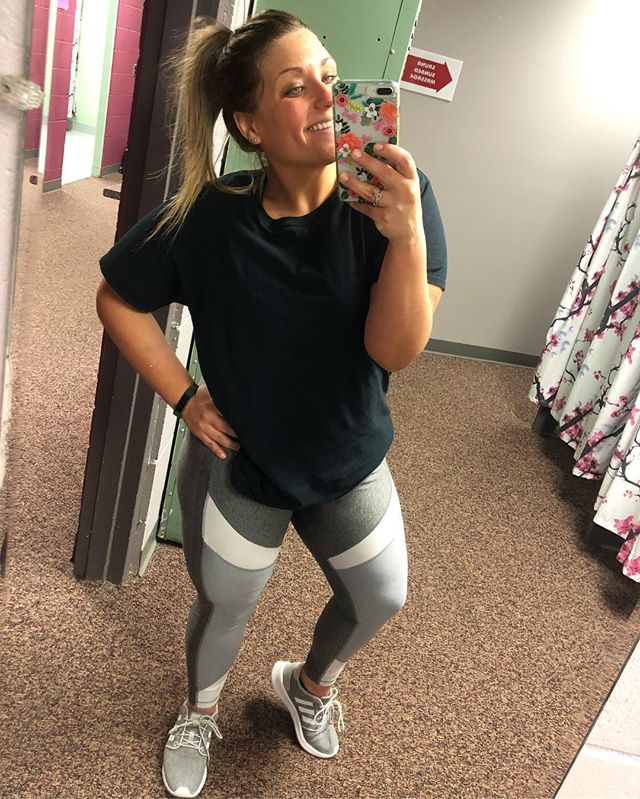 Pushed my comfort zone big time with today's workout! Not to mention that I seriously am sore (from yesterday's workout!) & did not want to get outta bed this morning! I'm pretty proud of myself!