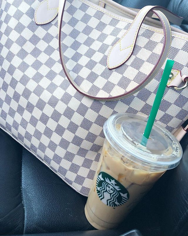 TGIF! I know it's only Wednesday but it's my Friday! So coffee was needed! 💁🏼♀️ I'm so ready for a little vacation, extra family time & extra sleep! ❤️