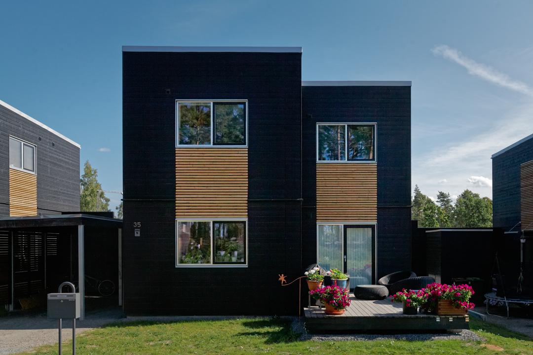 Villa I dansk design med tillhörande Carport och en härlig veranda i solläge.