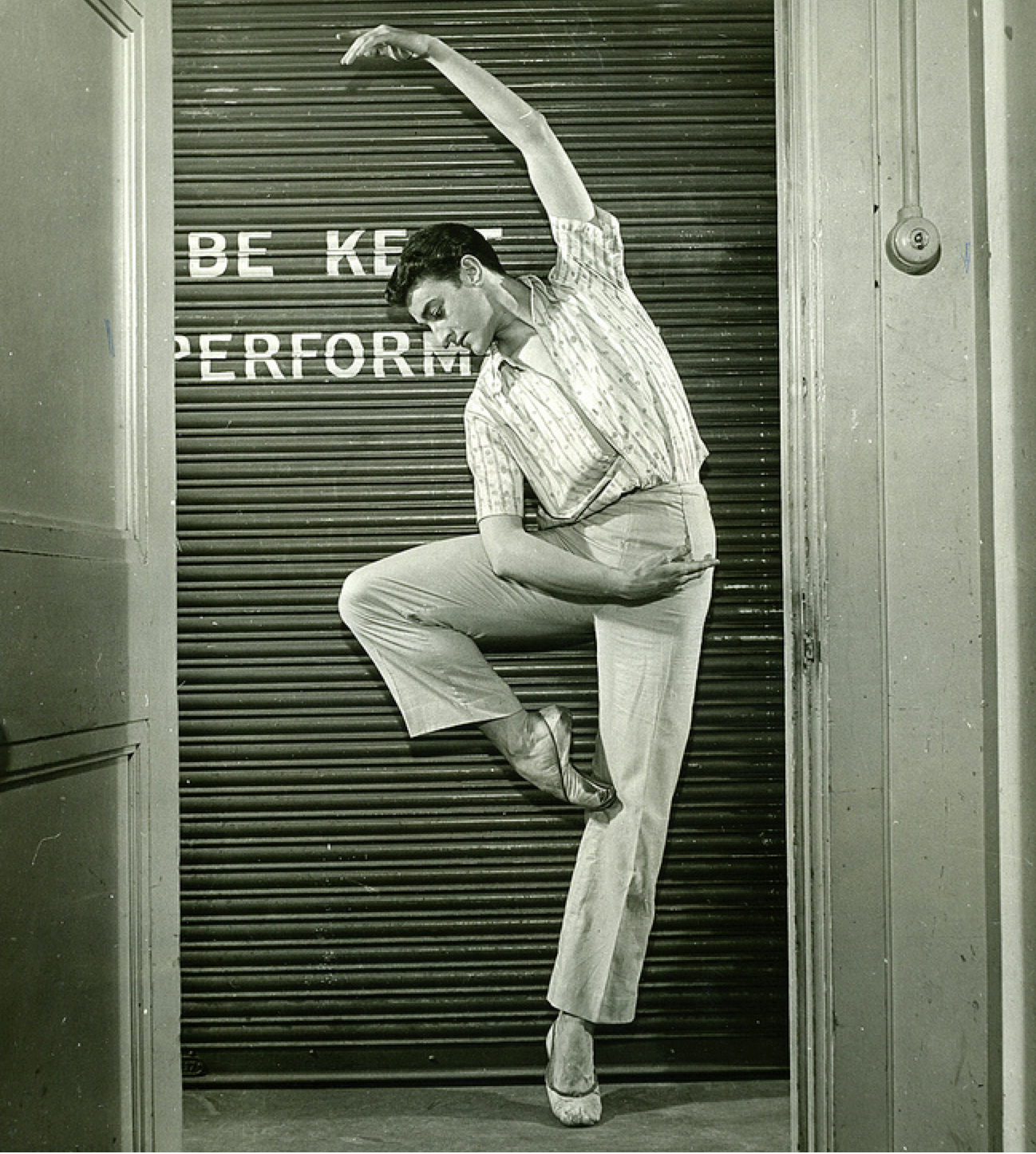 Kenneth MacMillan 1951 ©Roger Wood / ROH Archives