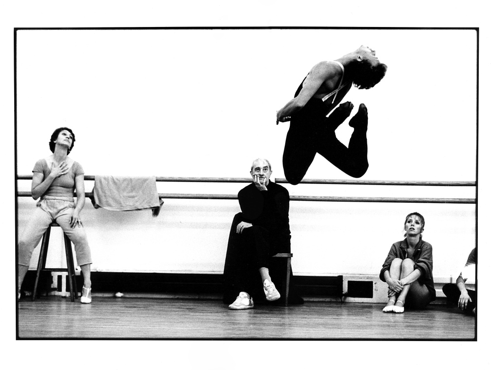 ©ROH Archives / Neil Libbert Kenneth Macmillan, Monica Mason, Fiona Chadwick and Simon Rice rehearsing Rite of Spring.