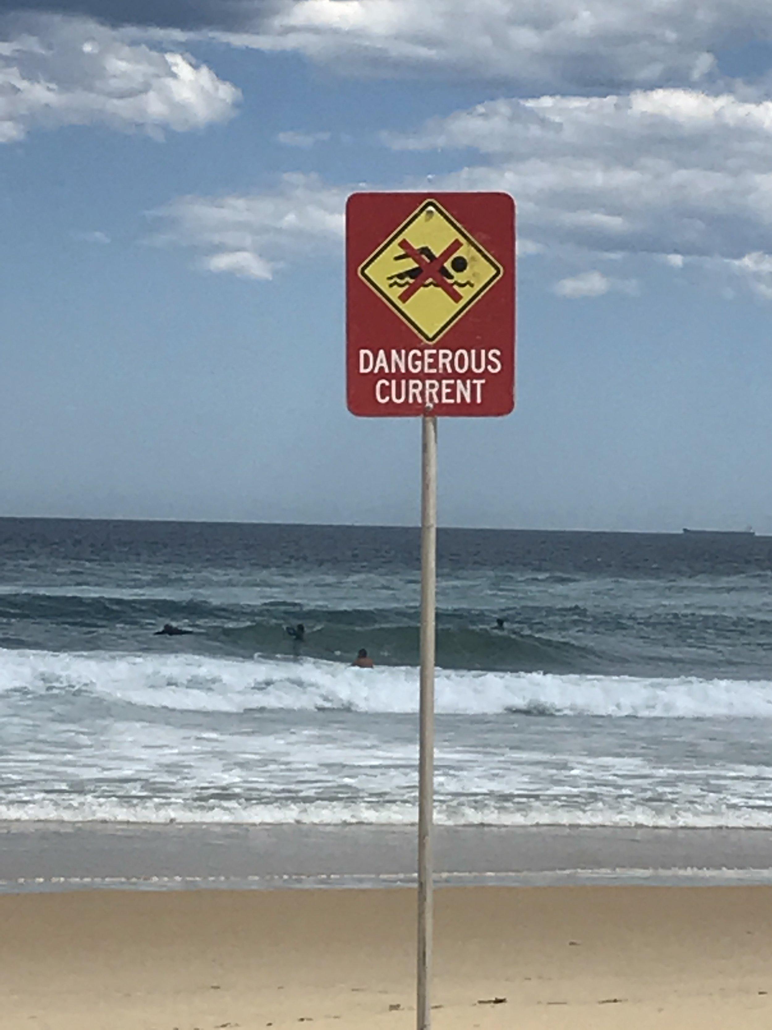 beach sign dangerous current.JPG