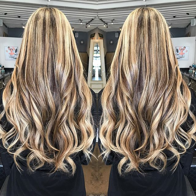#blondebalayage #blondehighlights #tapeinextensions #longhair #blowout #santamonicahairsalon #bestsantamonicahairsalon