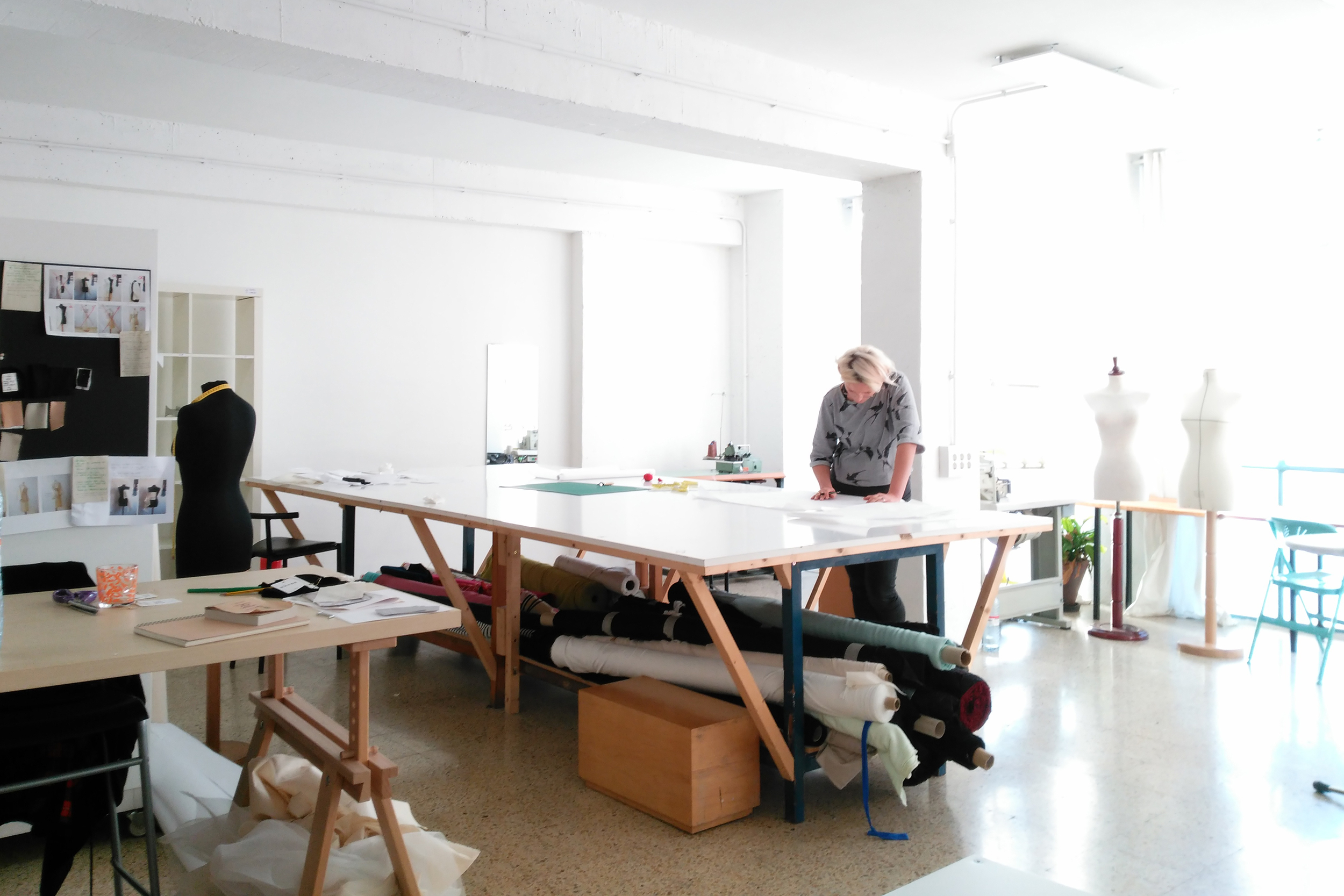 Large patternmaking table in the space