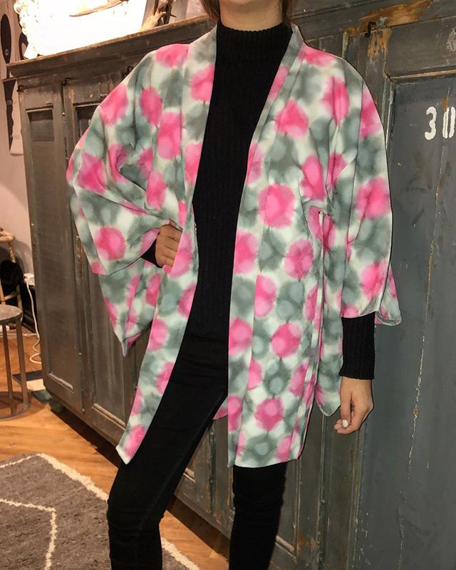 Candy crush. Vintage kimono from Japan, one size and one of a kind 2300 SEK