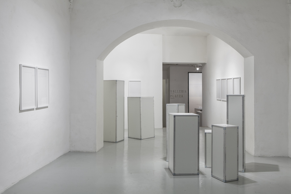 i.Pearl , Morice de Lisle, and lima Drib, 2015 (flight cases, processed pearls, and silicone), installation view, Galleria Continua, San Gimignano / Beijing / Les Moulins / Habana. Photo by: Ela Bialkowska.