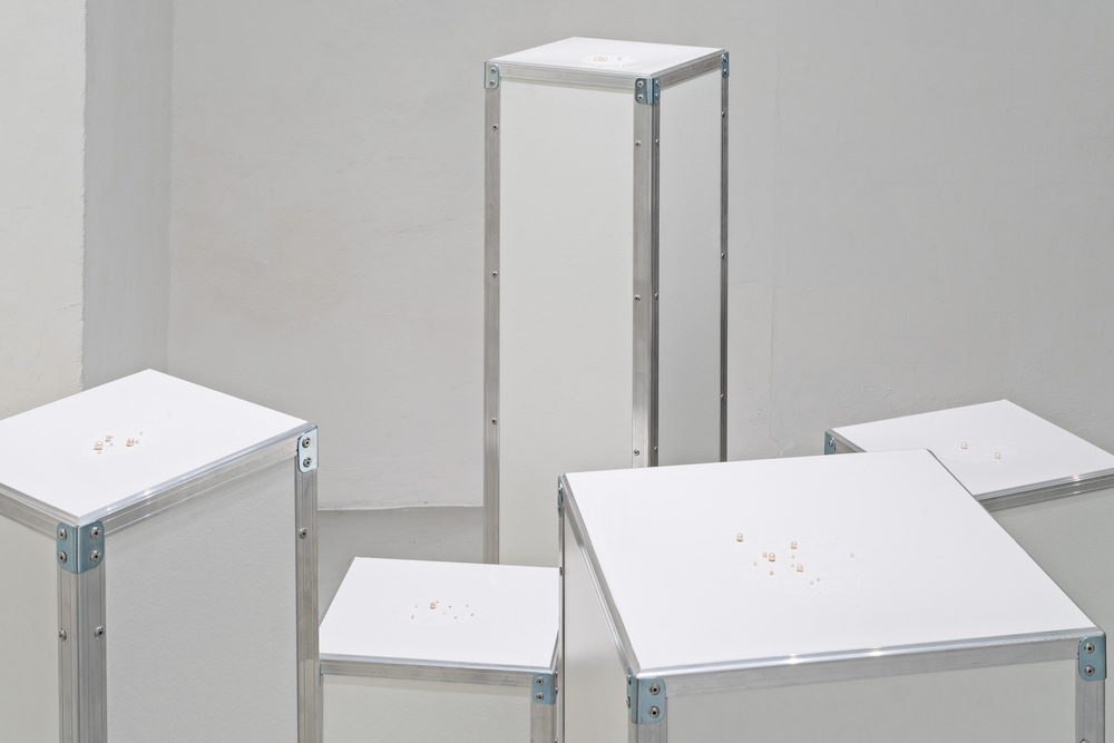 i.Pearl , Morice de Lisle, and lima Drib, 2015 (flight cases, processed pearls, and silicone), Galleria Continua,  San Gimignano / Beijing / Les Moulins / Habana. Photo by: Ela Bialkowska.