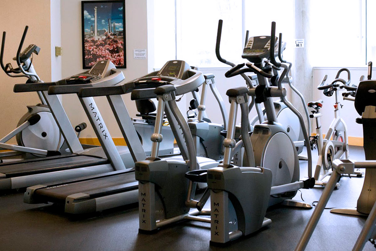 Fitness Center - The 6th floor Plaza level Fitness Center offers a range of cardiovascular and resistance training equipment.  Residents are able to utilize the facilities while watching TV or simply enjoying the view.