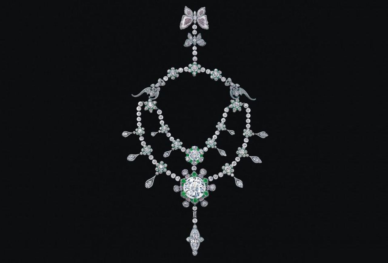 wallace Chan heritage in bloom https---blogs-images.forbes.com-anthonydemarco-files-2015-09-0904_FL-wallace-chan-507-carat-diamond-necklace_2000x1125-1152x648.jpg