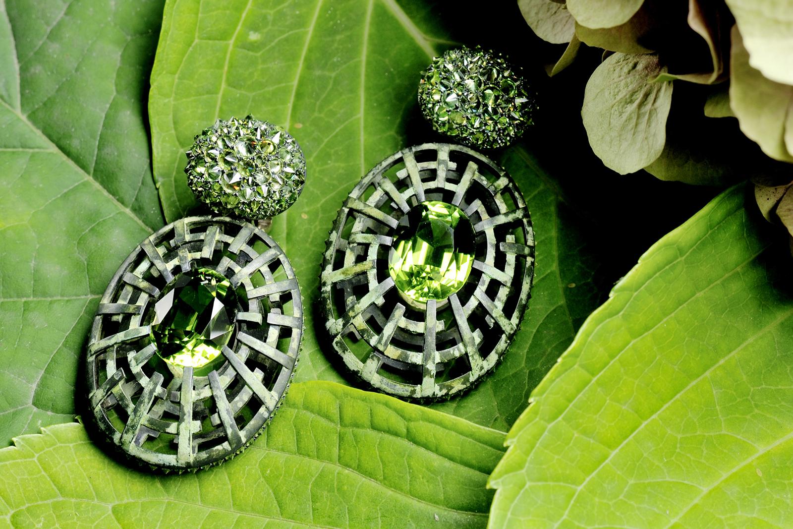 Hemmerle-earrings_-demantoids_-peridots_-white-gold_-silver.jpg