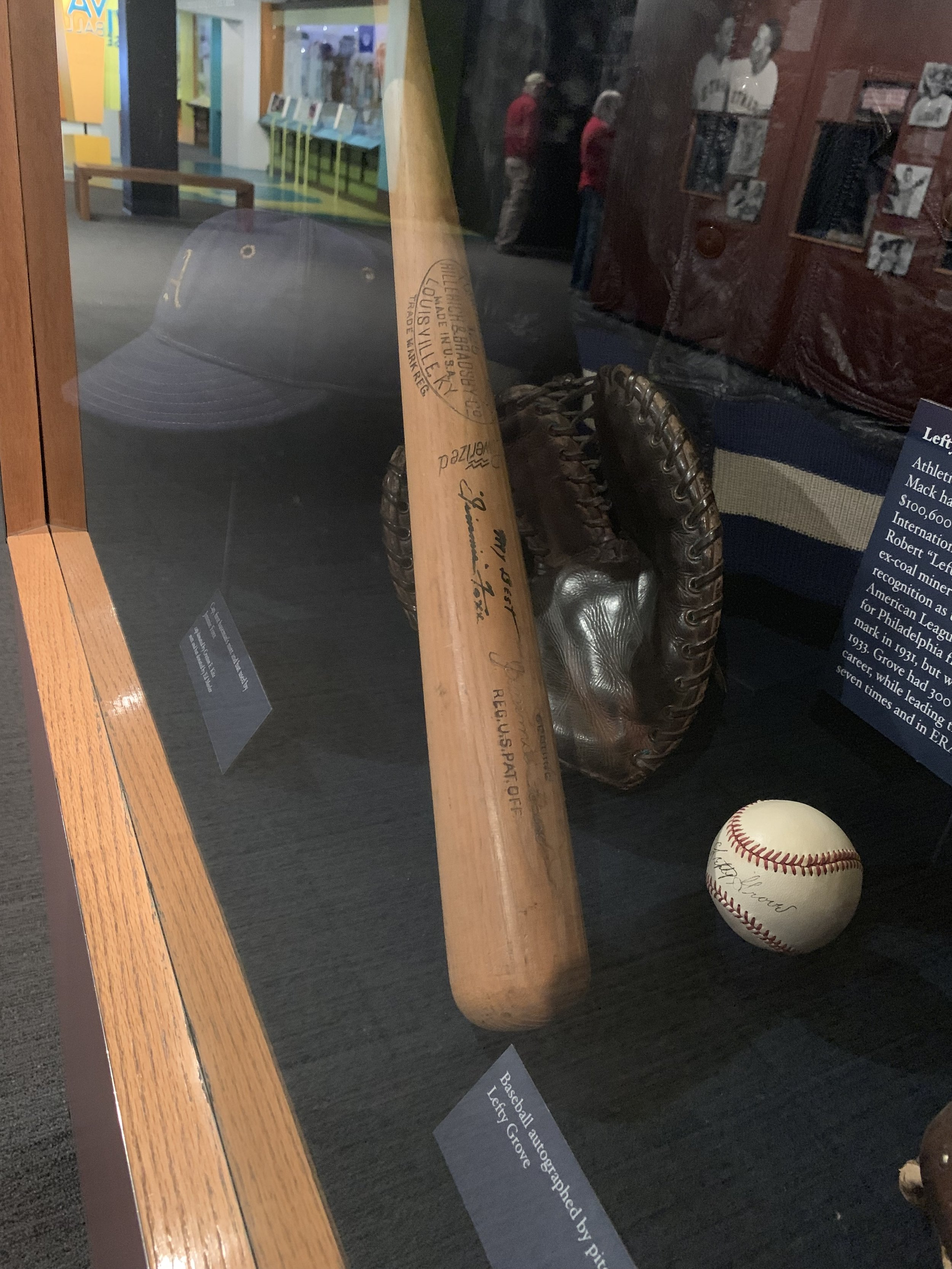 Jimmy Foxx bat.jpg