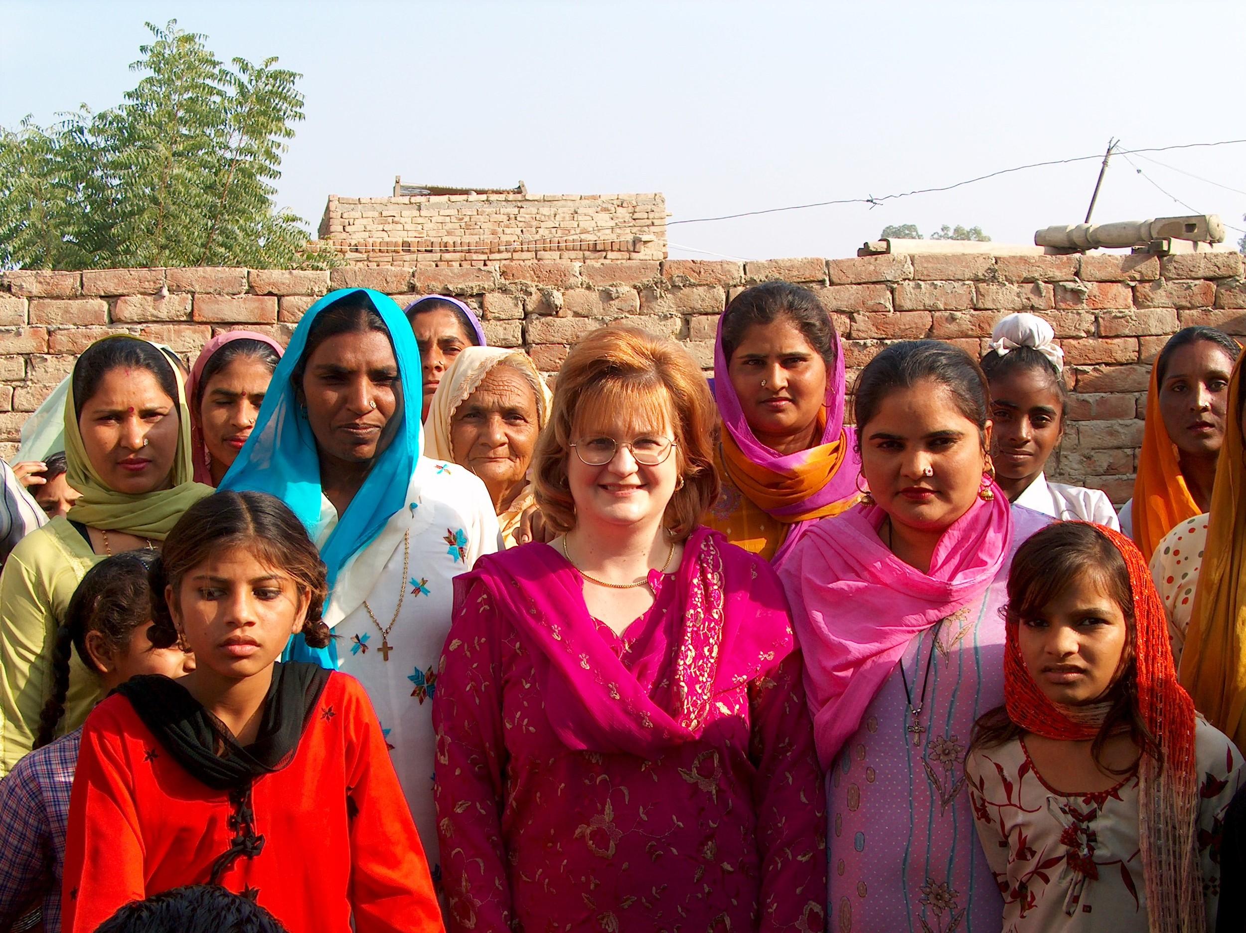 HPIM0203 Cyndi and Manjit Women.JPG