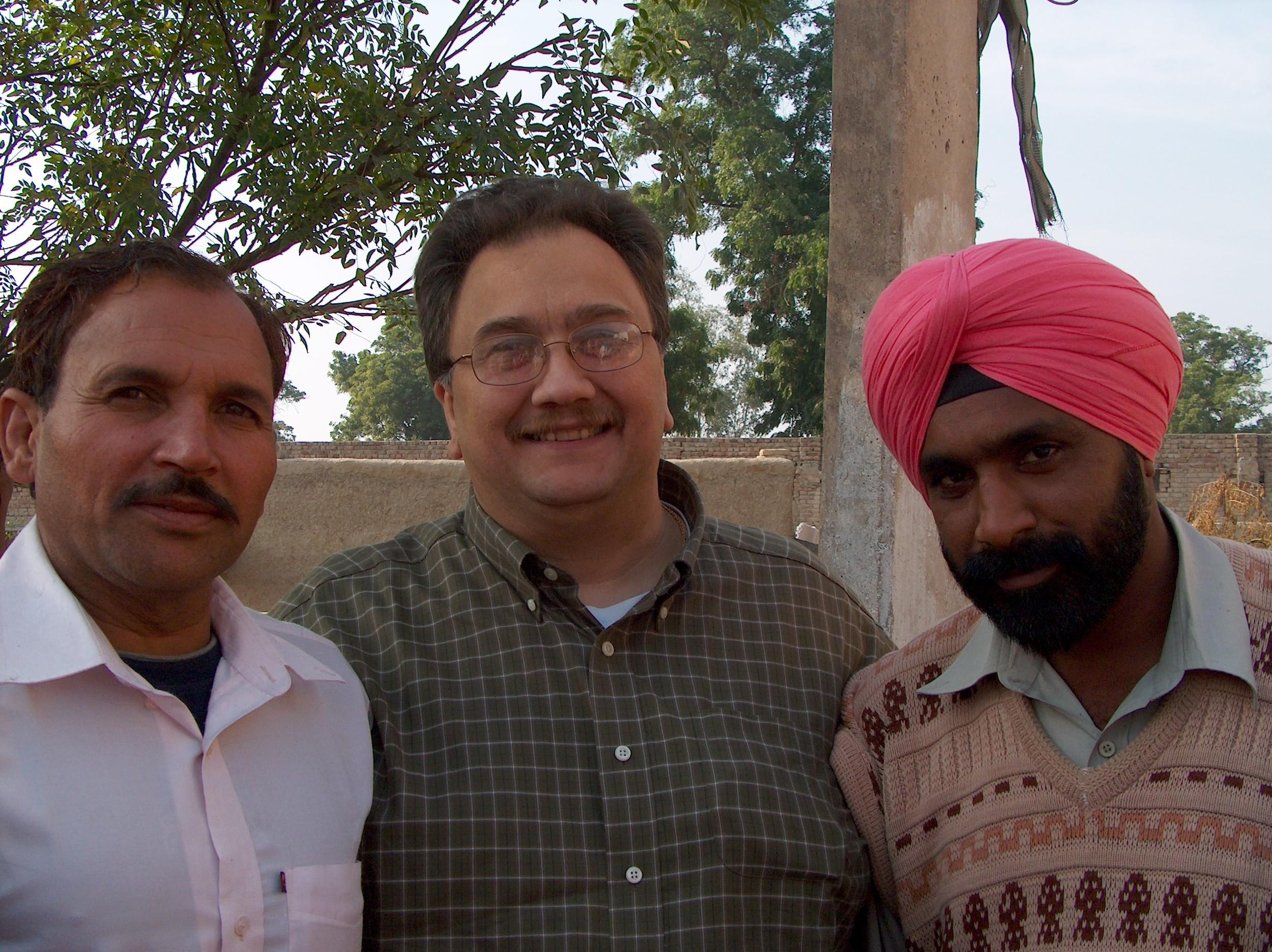 HPIM0204 Peter and Manjit Pastor.JPG