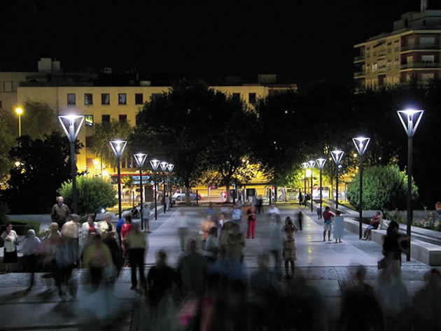 Plaza del Triumfo, Granada, Spain © Estasa Estudios Técnico de Alumbrado