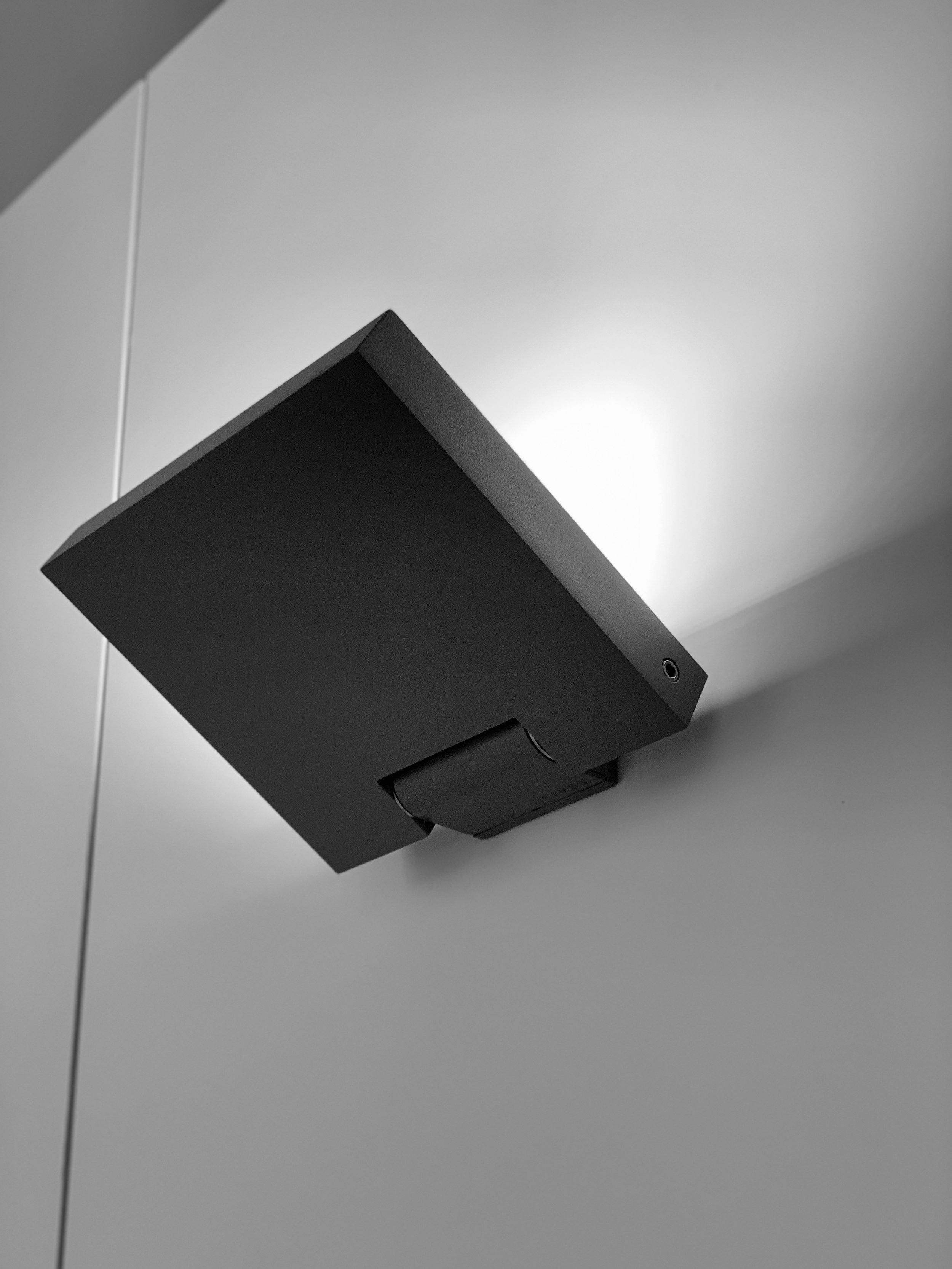 MOVIT Wall mounted