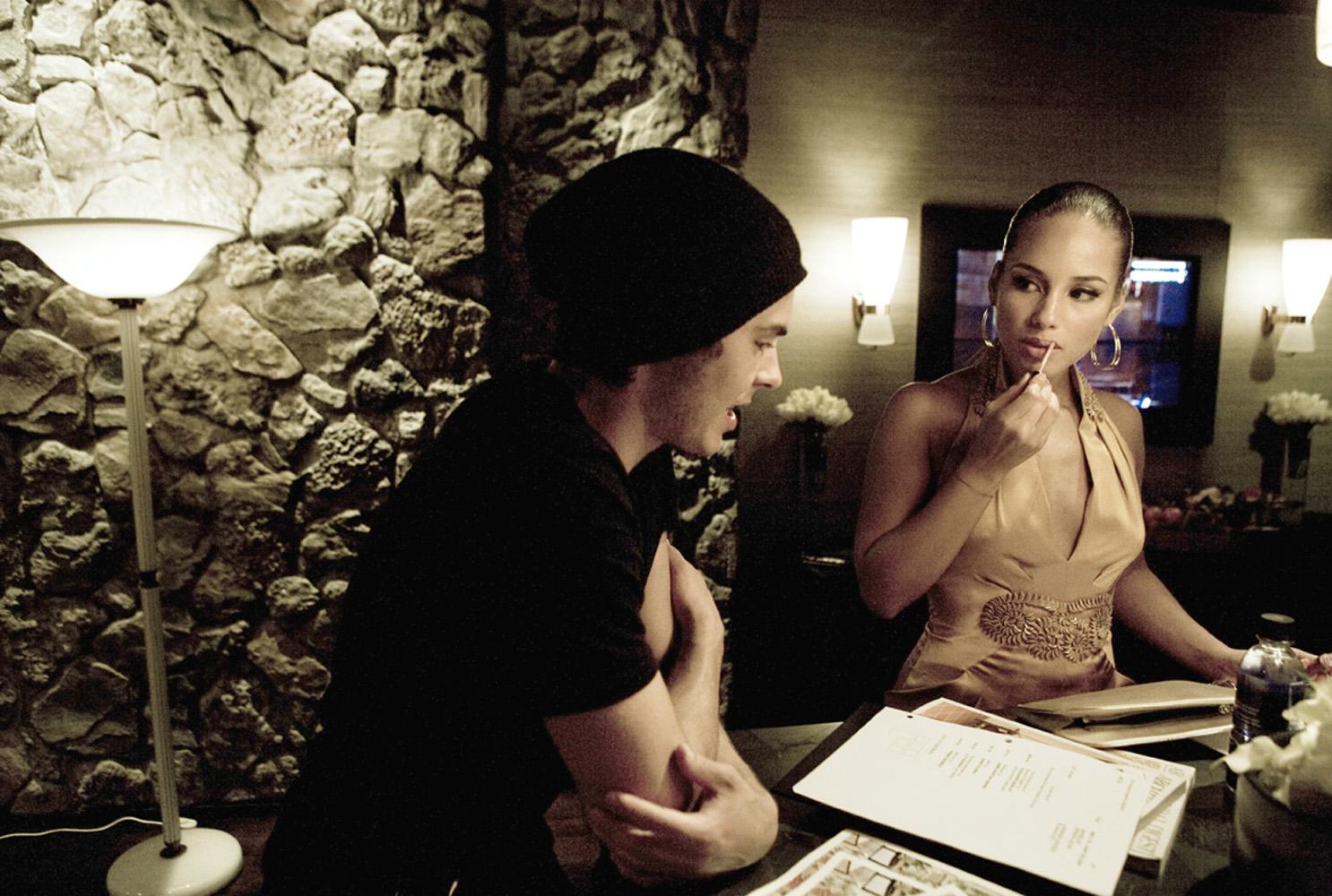 034014-CELEB-Zach-Efron-and-Alicia-Keys.jpg