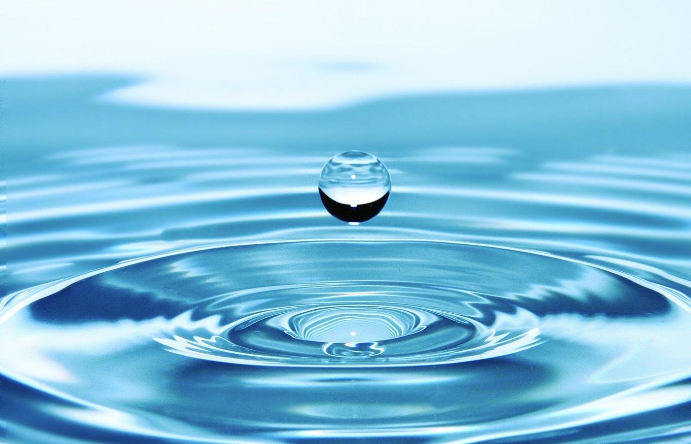 drops-of-water-578897 (1).jpg