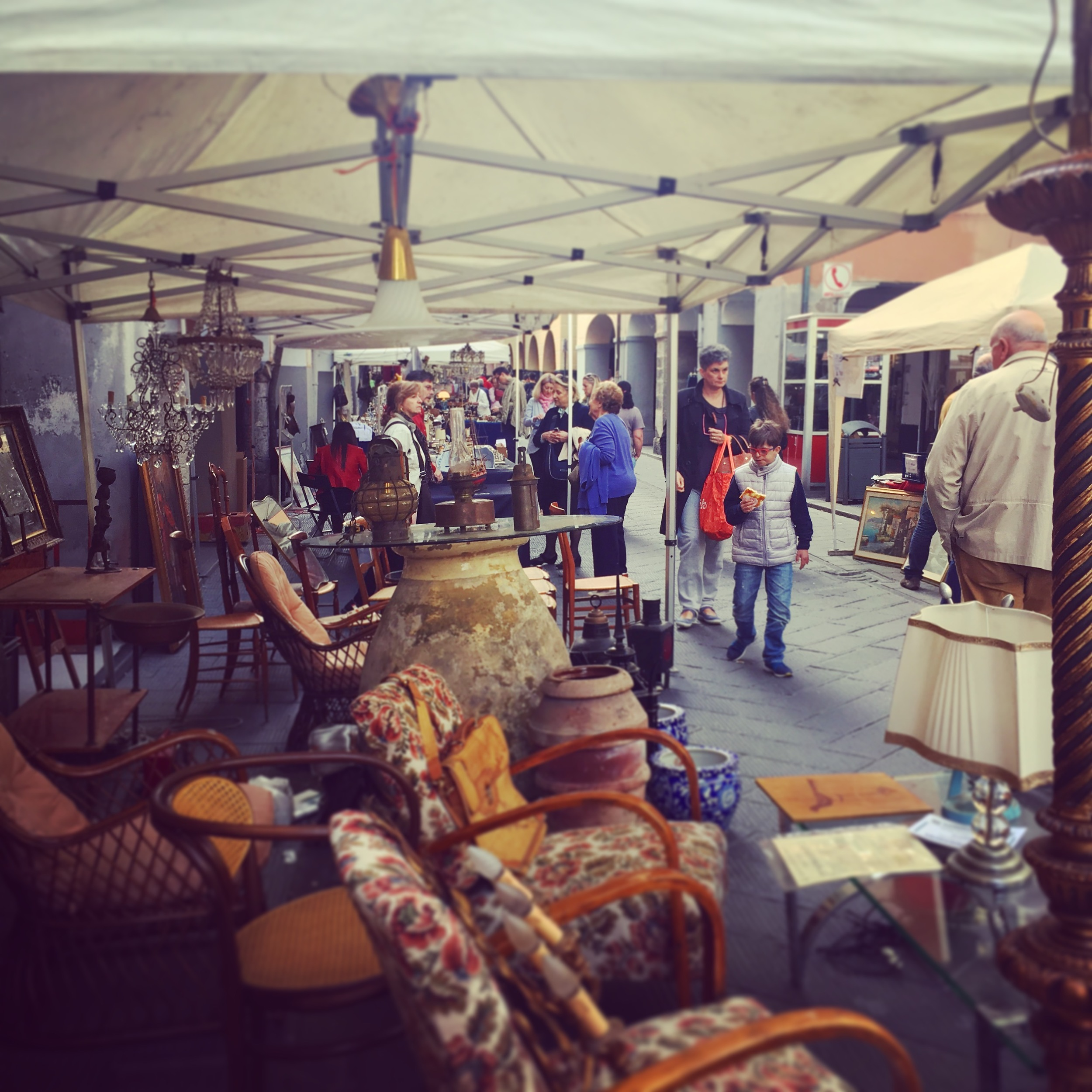 Flea Market in Chiavari. Or rather, 'Mercato delle Pulce'.. sounds prettier in Italian