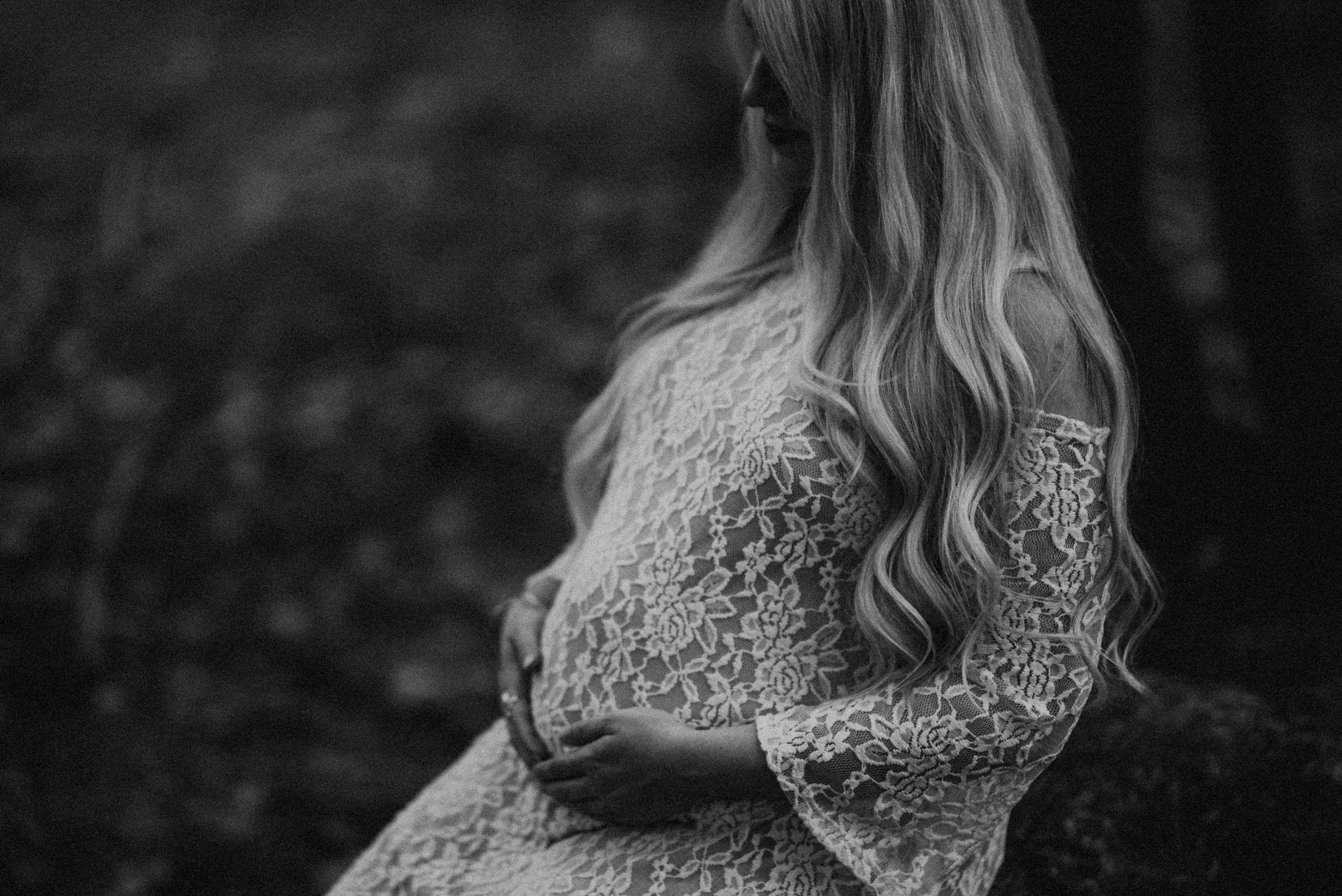 whimsical maternity session - vanessa alves photography - new england wedding photographers 6.jpg