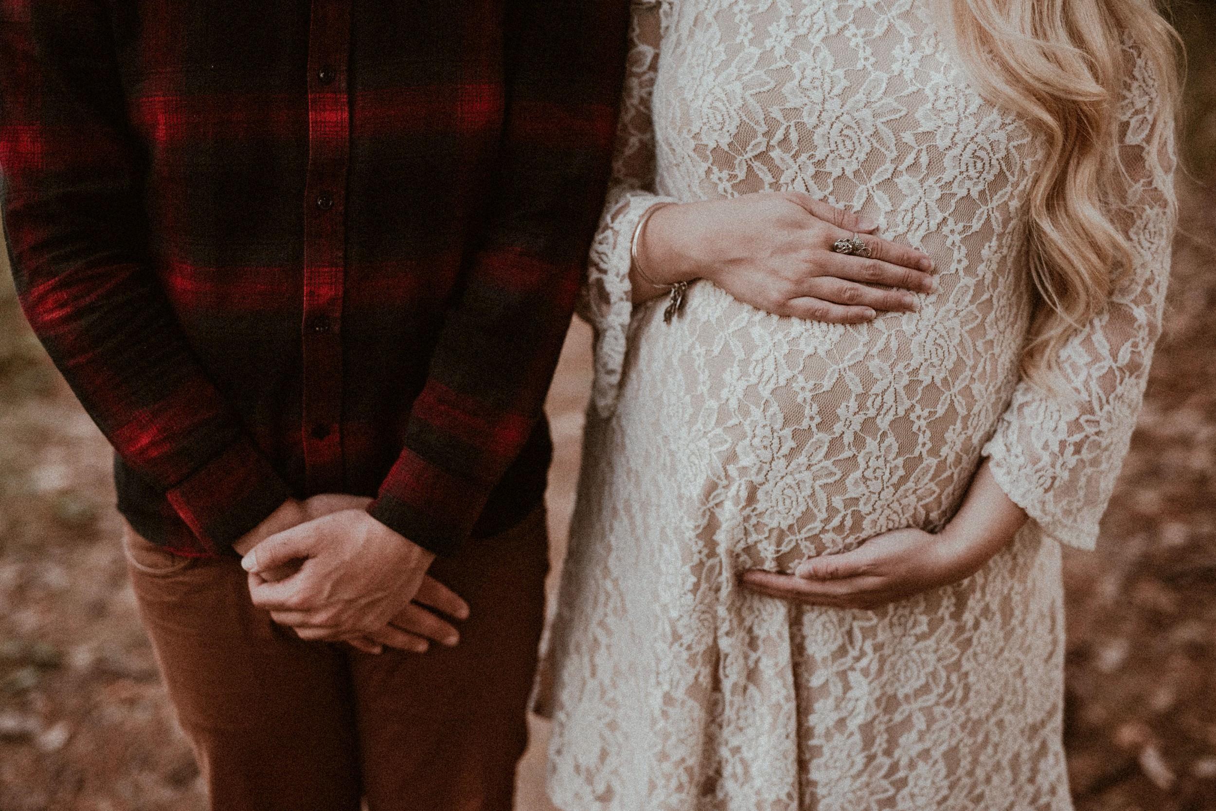 whimsical maternity session - vanessa alves photography - new england wedding photographers 9.jpg