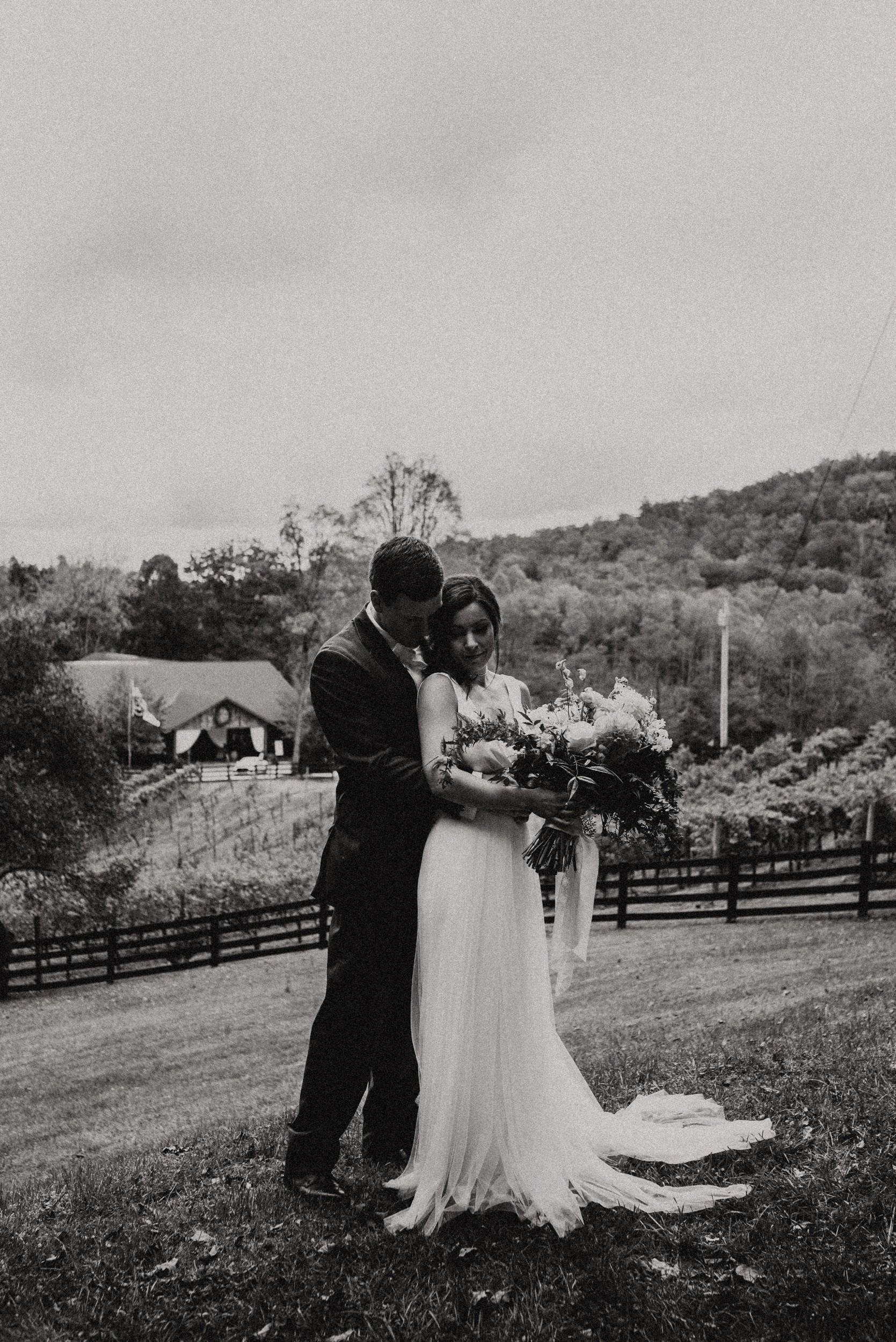 north-carolina-fall-vineyard-wedding-vanessaalvesphotography-58.jpg
